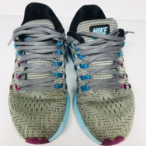 Nike Zoom structure girls sneakers shoes size 5